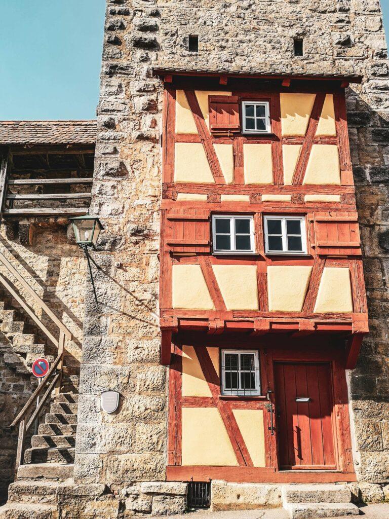 Stadtmauer mit Fachwerk