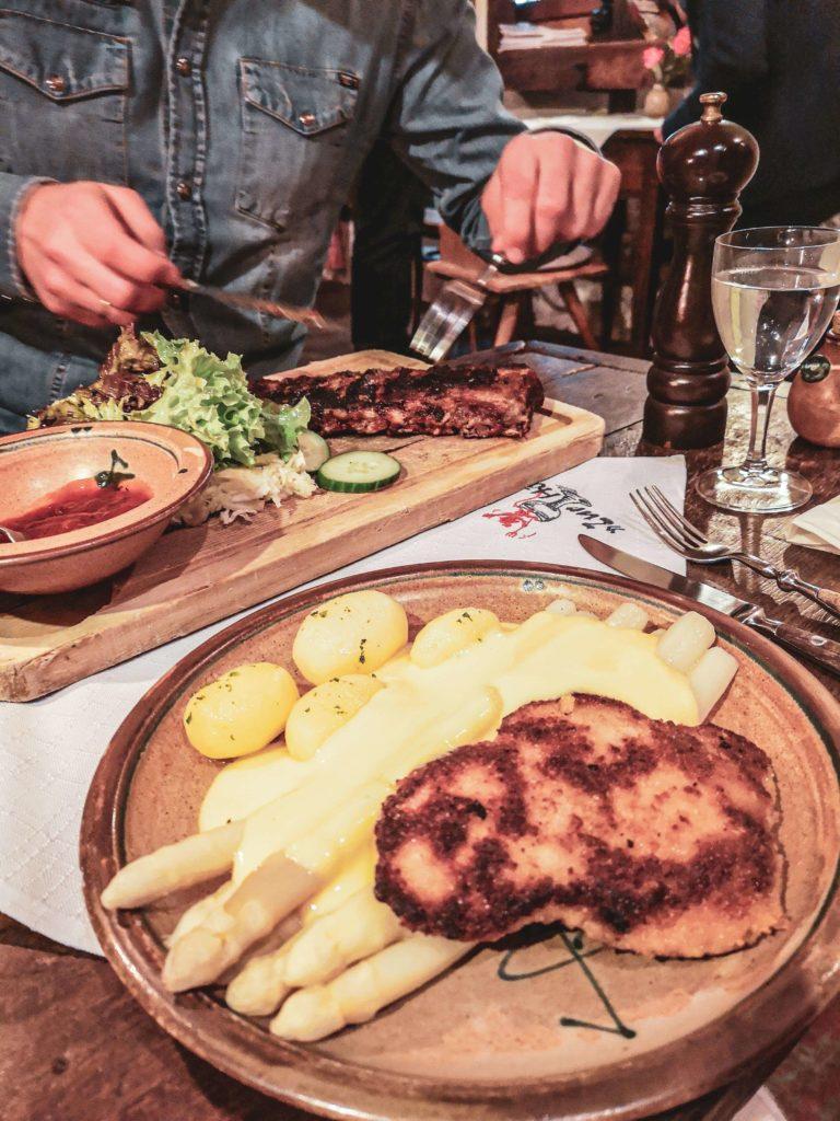 """Abendessen Weinstube """"Zur Höll"""""""