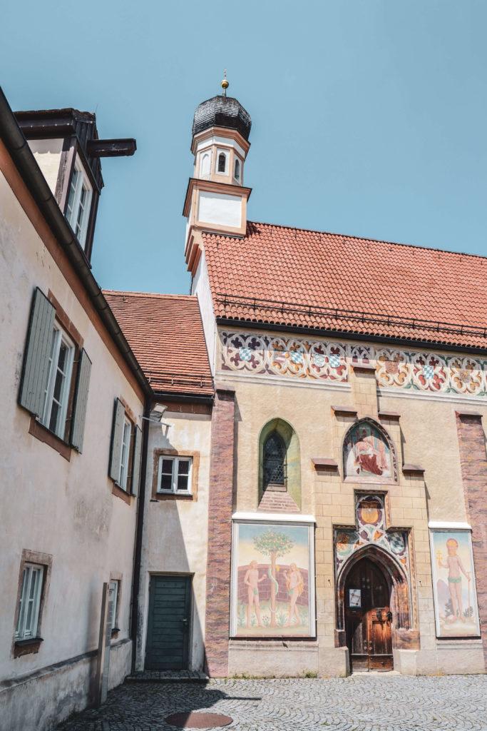 Schloss Blutenburg Kapelle Innenhof
