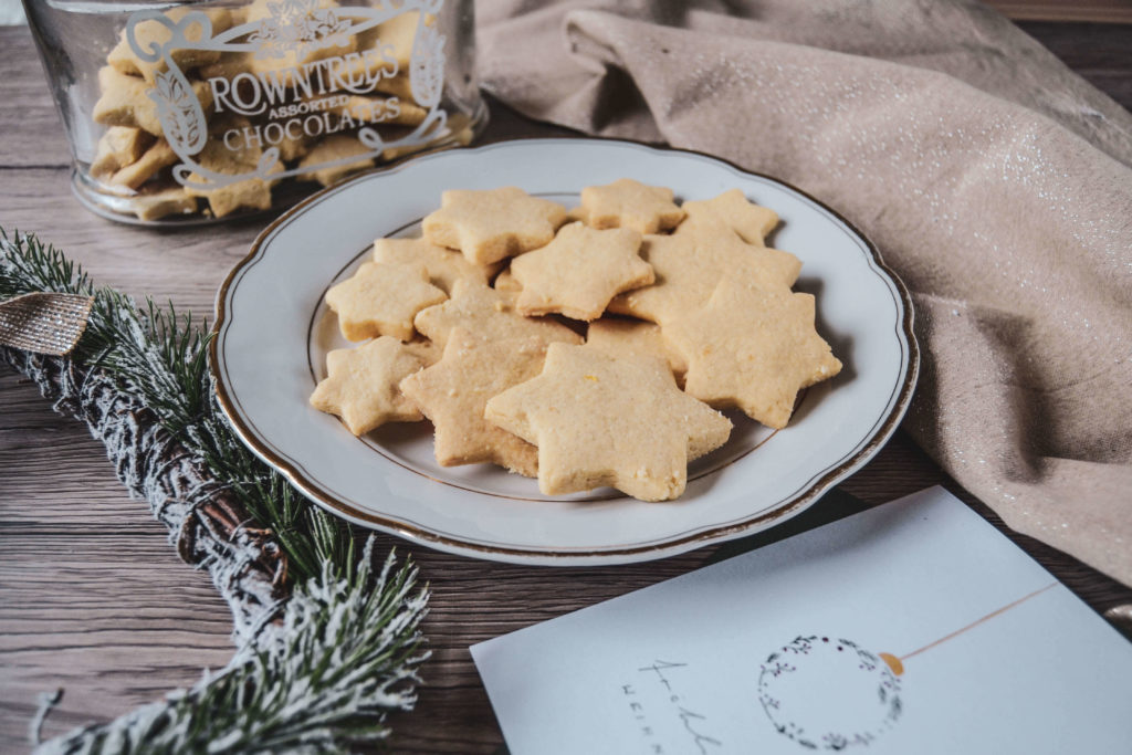 Plätzchenteller Butterplätzchen Weihnachtssterne