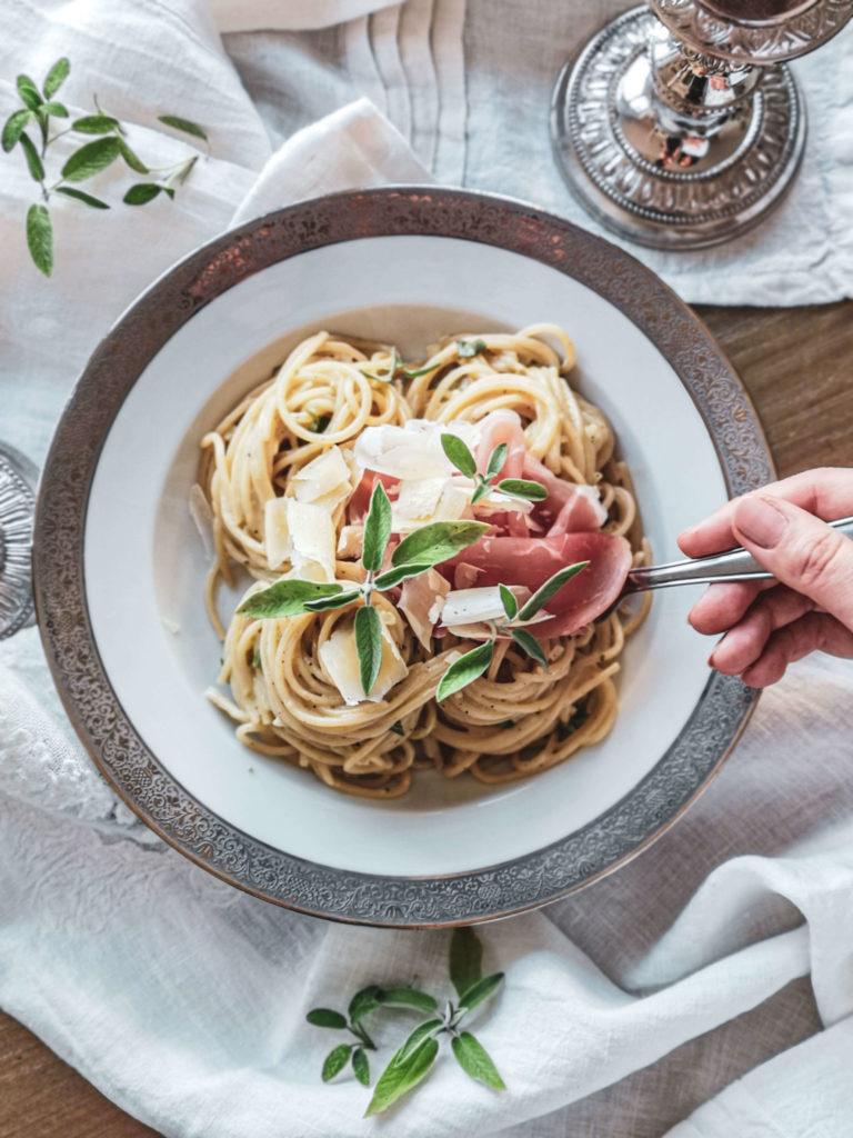 Rezept Salbeispaghetti mit Parma-Schinken