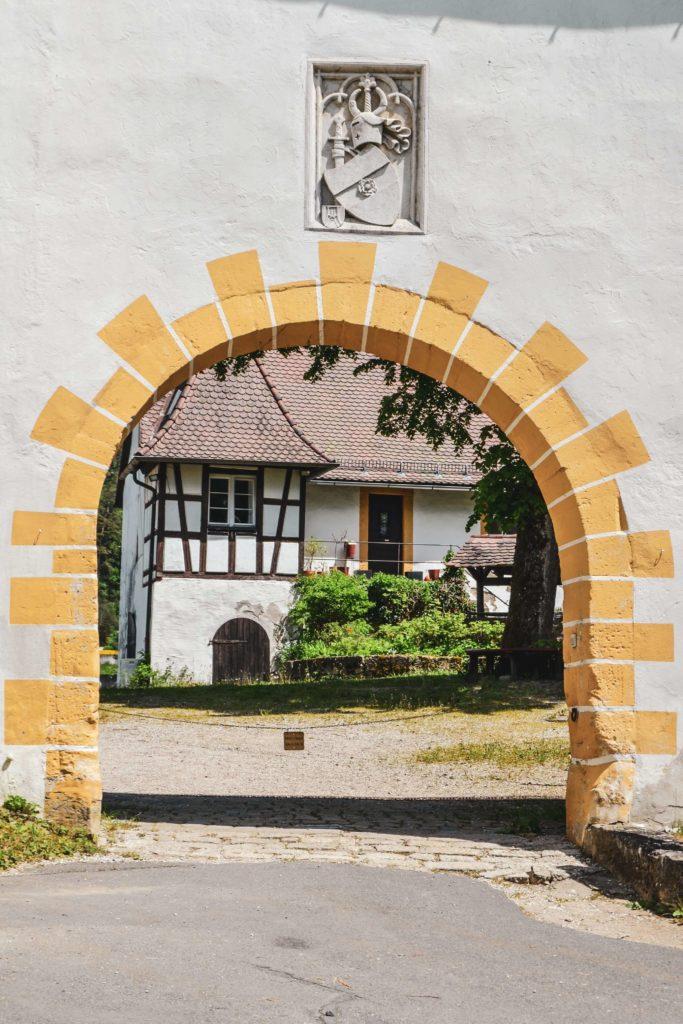 Eingangstor Schloss Unteraufseß